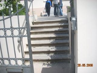 כניסה ראשית - מדרגות