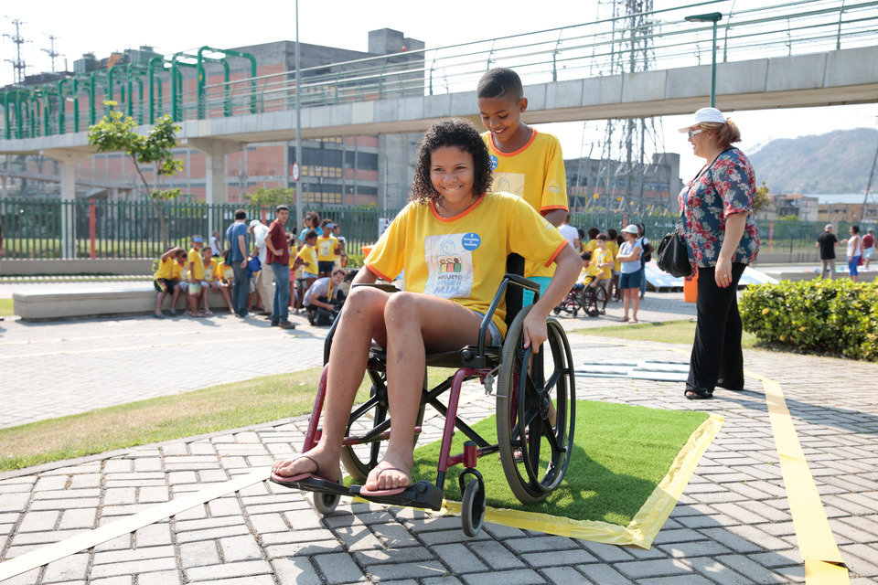 picture: an accessibility happening for children of the Favelas