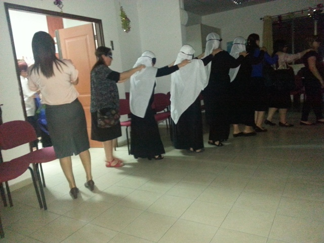 the participants entered a room blindfolded